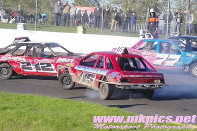 2L Saloon Stock Cars, Northampton, 10 November 2013